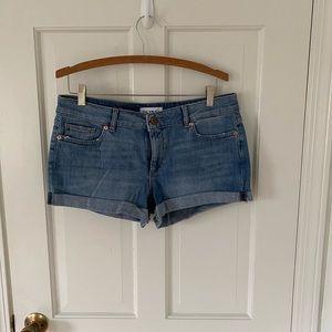 DL1961 light wash shorts